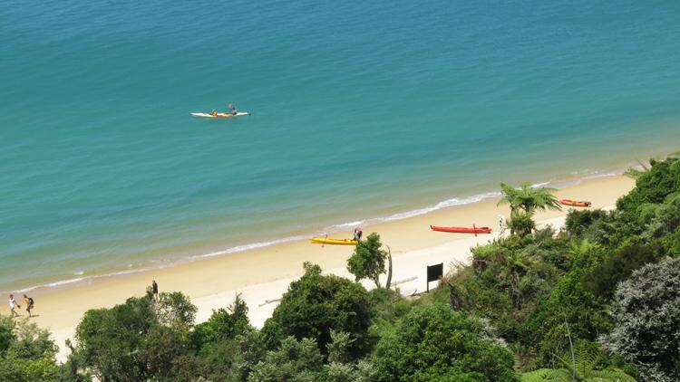 new zealand travel nouvelle zelande middle earth terre du milieu abel tasman kayak