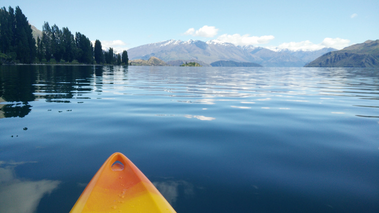 new zealand travel nouvelle zelande middle earth terre du milieu kayak wanaka lake